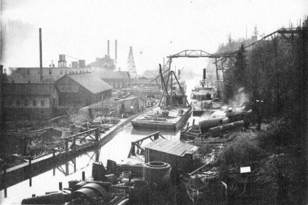 The newly opened Willamette Falls Locks in 1894. (Photo credit: Willamette Falls Heritage Foundation's George Matile Collection)