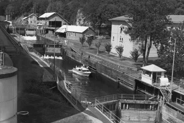 The Locks in c.1955. (Photo credit: US Army Corps of Engineers, Portland District, historic photo collection)
