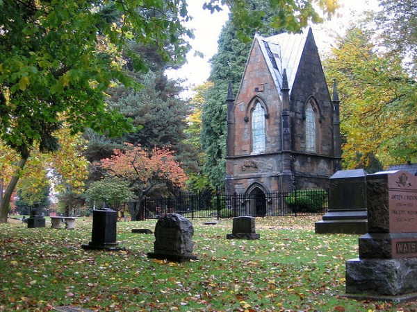 Lone Fir Cemetery in Portland (photo credit: flickr member brx0)