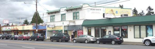 URM storefronts along Sandy Boulevard in northeast Portland.