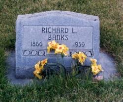20140728_BanksHeadstone