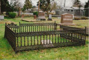 Iron Fences Repair Amp Maintenance Plan At Salem Pioneer